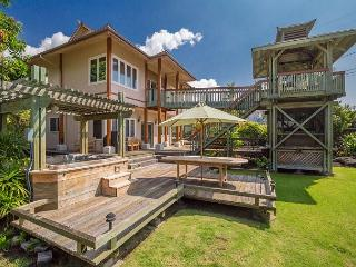 Coastline Views Just Steps from the Ocean - Air Conditioning!