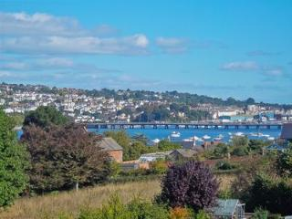 Superb holiday base for a Family / Large group Holiday Cottage sleeps 14 Shaldon
