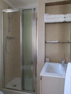 private bathroom of second bedroom