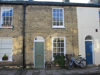 Cambridge city centre period holiday home