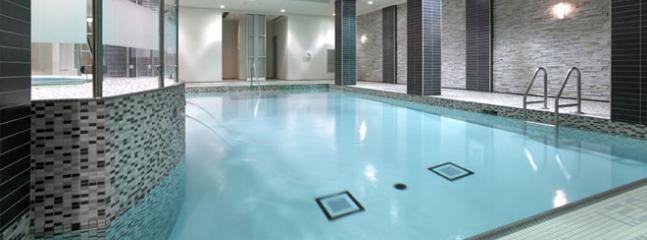Grand Ovation Indoor Heated Pool and Hot Jacuzzi Tub