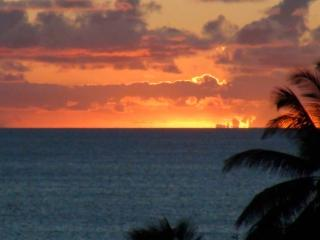 Modern beach front W.Molokai,Beautiful Sunsets!, Maunaloa