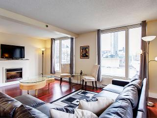 Glaamorous Two Bedroom Suite 3, Montreal