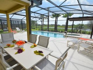 Villa Vedanta at Solterra - Lakefront w/pool/spa -15 min to Disney, Davenport