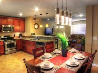 Oldtown Private Home- 4 Bdrm/Spa/Shop/Dine/Golf, Scottsdale