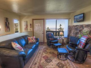 Adorable Condo with spectacular views of the Carson Valley ~ RA45181, Stateline