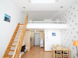 LOFT1 Hongdae Station Exit / up to 6 guests, Seúl