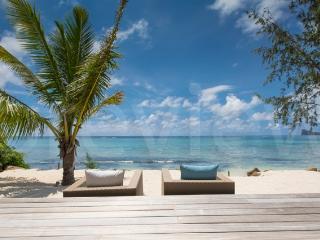 Villa AZURA - modern Beach Villa with private pool, Pereybere