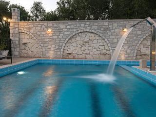 New Villa Semeli w/ Private Pool★Walk to Restaurants★3 km to Sandy Beach!