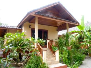 Nice house on beach  with sea view and sunset, Ko Phangan