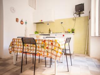 PLEBISCITO TOWNHOUSE, Nápoles
