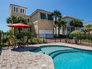 Gulf Front Home! Recently Updated & FREE Parasailing & Golf