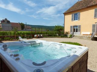15% Discount on 2018 - Le Vieux Chateau, Puligny Montrachet near Beaune