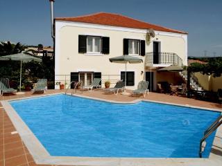Villa Stavromenos, Asteri
