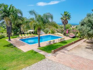 Casa da Avó - rustic 6 bedroom villa with pool, Almancil