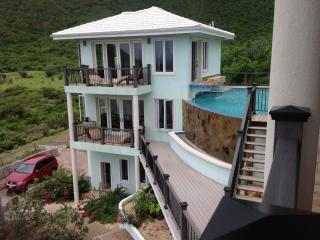 Anam Cara Villa - Secluded Luxury Beachfront Home