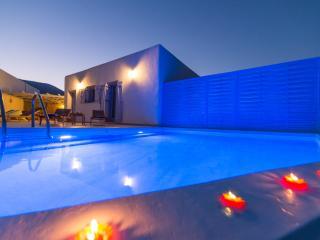 Crystal Villa 2, Spacious villa with private pool, Golden Beach