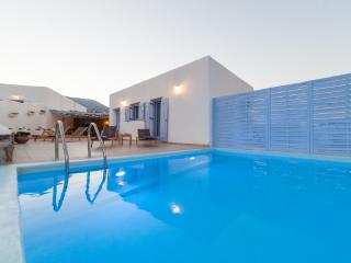 Crystal Villa 2, Spacious villa with private pool