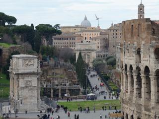 Colosseo Express, Rome