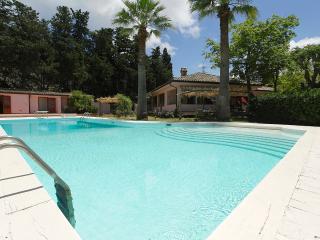 Villa Elda with pool, Mondello beach, Palermo