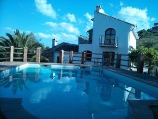 Charming Country House, 'Honeymoon Suite', Pool, Periana