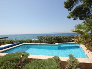 Beachfront villa with private, heated pool and amazing sea views-Villa Rosemary