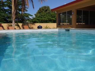 Pool Bungalow -Premier Rental With Pool Near Beach