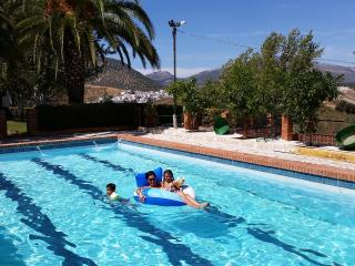 El Masegal, wifi, tenis,pool, BBQ,center Andalucia, Carcabuey