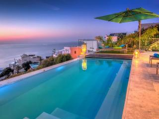 Breath-Taking 5-Star Bantry Bay Villa - Aegea