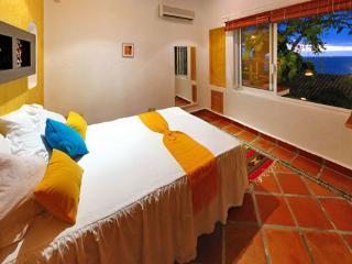 Cozy Downtown Ocean View Room Sol 2, Puerto Vallarta