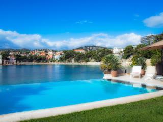 Villa de standing sur la plage de Rènecros, Bandol