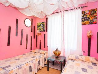PLAYA AMERICAS 2 SINGLE BEDS BEDROOM