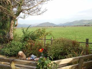 Sibrwd Y Mor Cottage with Stunning Views, Tywyn