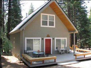 Needels - Country Club Cabin, Sleeps 8, Near Clifford Gate, Lake Almanor Peninsula