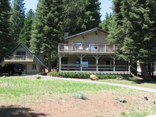 Country Club Main House plus Cottage, Lake Almanor Peninsula