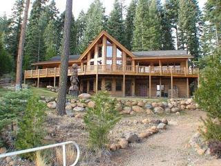 Gibson - Country Club LAKEFRONT with Dock, Buoy & Private Beach, Lake Almanor Peninsula