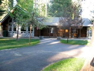 Country Club Log Cabin Near Recreation Area 2 & Golf Course, Lake Almanor Peninsula
