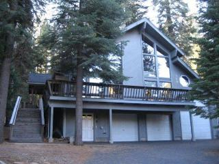 Clark - Almanor West Home with Golf Course View & Near Boat Launch, Lake Almanor Peninsula