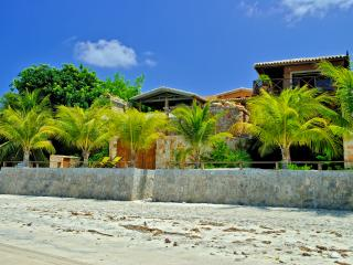 Casa Monte Belo -Beachfront Luxury Rental