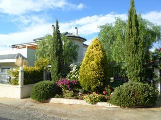4 Schlafzimmer + Gartenhaus in Korinth, Peloponnes, Katakali