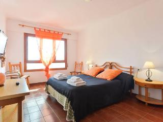 Suite con bagno privato in attico centro ibiza, Ibiza Ciudad