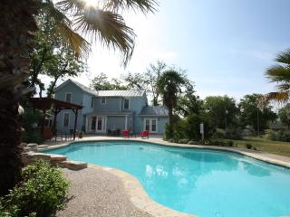 House on N. Crockett - Dalton House w/Private Pool
