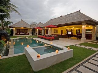 3 Bedroom - Villa Jaclan - Central Seminyak