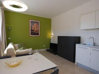 Lovely 1bdr w/terrace near Bocconi, Milán