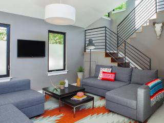 SPECIAL: Moderna Downtown Austin 3BR UT / ACL / F1