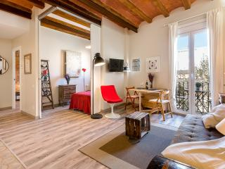 Vintage Suite with Balcony 2 (1BR), Barcelona