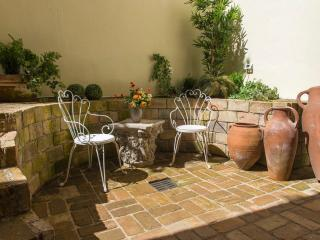 Character Trastevere Luxury with Spa and Patio, Rome