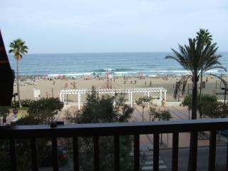Beachfront Los Boliches, 3 Bedrooms, 8 people,, Fuengirola