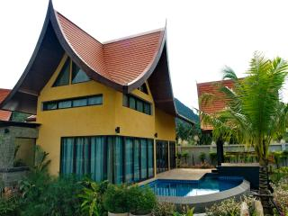 Tha Lane Bay Villa; Villa Chaba Sea Front