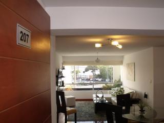 Modern 3 bedroom - MIRAFLORES - Lima